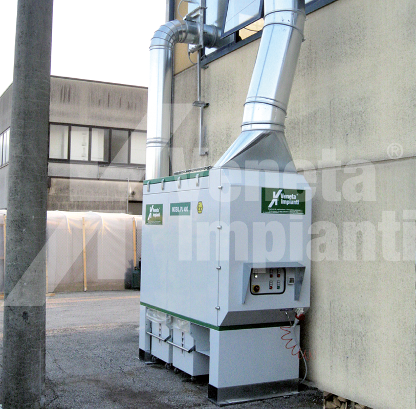 Extraction system with sleeve filter and collection bin
