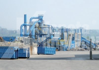 Extraction and filtration system on recycling line of ferrous material